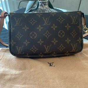 Louis Vuitton Pochette accessories with Long strap
